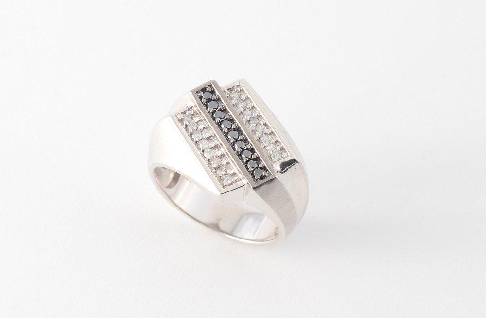 MEN'S BLACK & WHITE DIAMOND RING 10k GOLD SZ 11