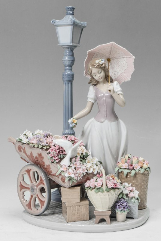 LLADRO PORCELAIN FLOWERS FOR EVERYONE #6809