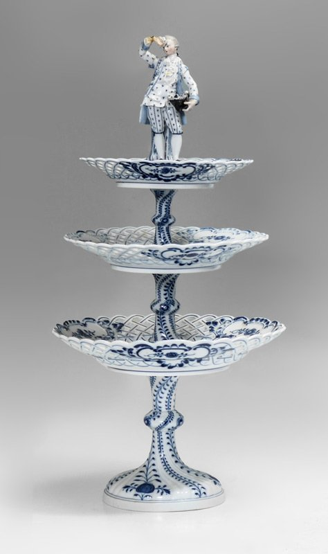 MEISSEN BLUE ONION THREE TIER TABLE TOP STAND