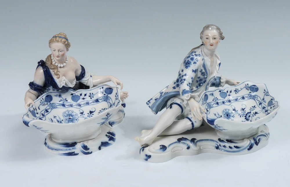 PAIR MEISSEN SWEETMEAT BLUE ONION DISHES