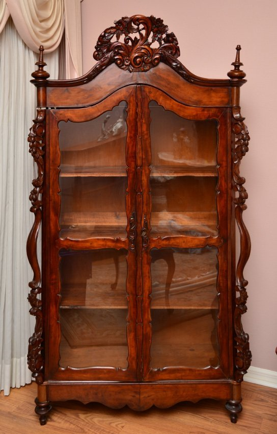 CARVED VICTORIAN CURIO CABINET