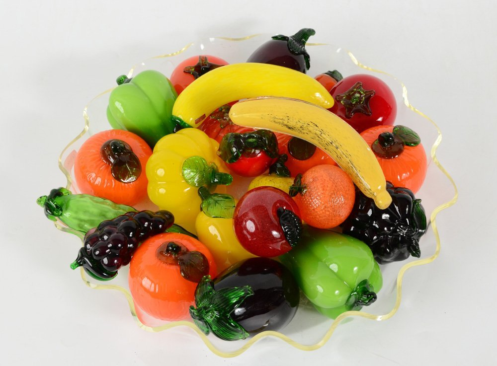 LARGE TRAY OF MURANO GLASS FRUIT AND VEGETABLES - 2