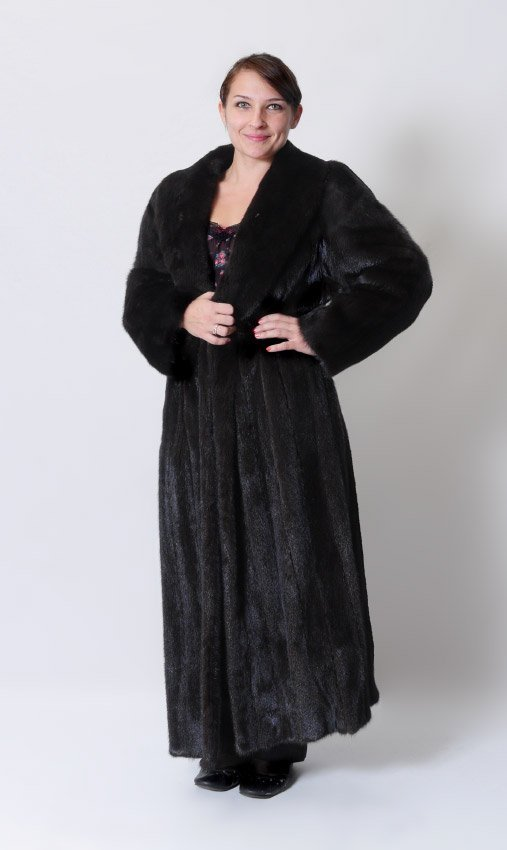 FULL LENGTH RANCH MINK COAT : Lot 1324
