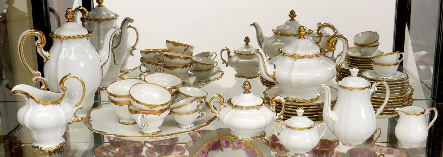 40 PIECE ROSENTHAL POMPADOUR FINE CHINA DESSERT SET