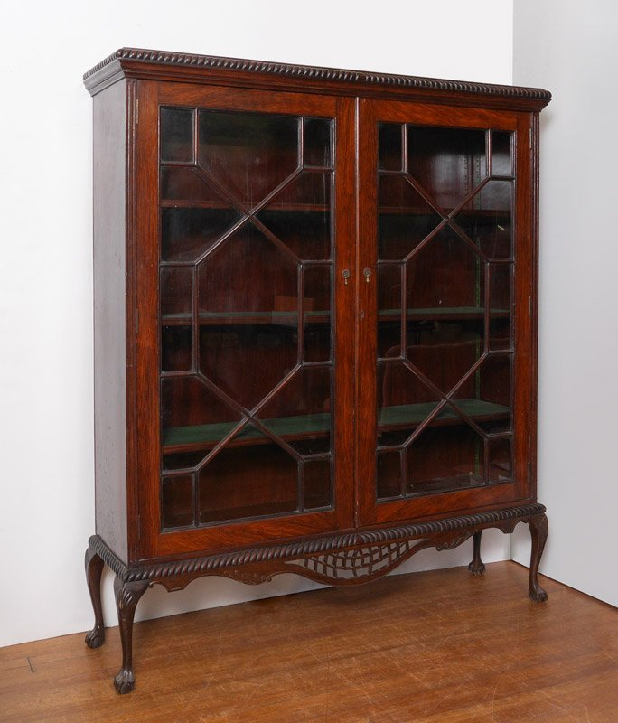 ENGLISH CHIPPENDALE STYLE MAHOGANY BOOKCASE
