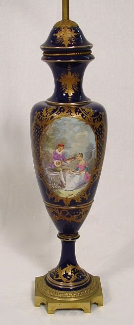 1014: FRENCH SEVRES QUALITY COBALT PORCELAIN TABLE LAMP