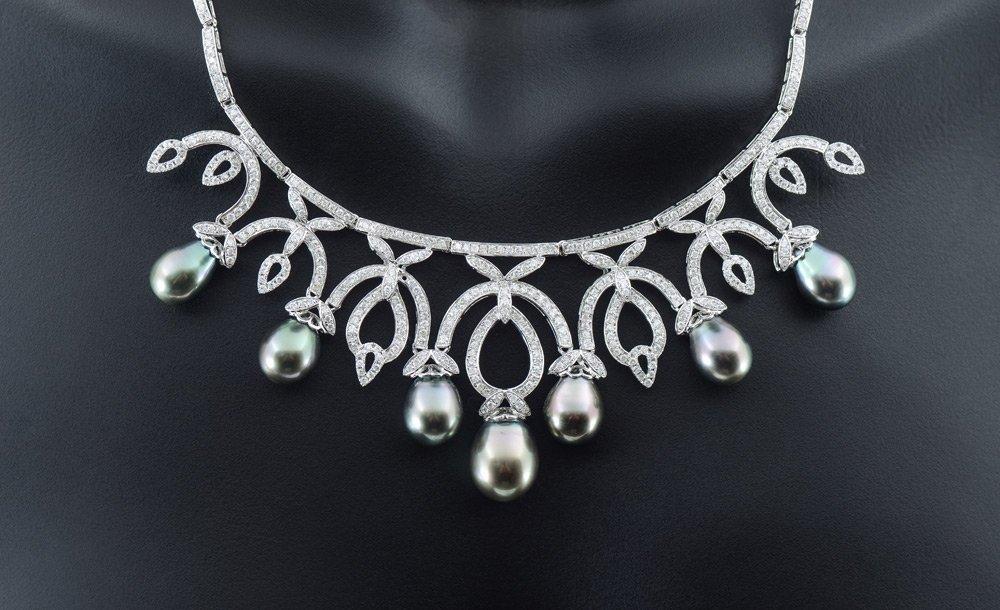 TAHITIAN BLACK PEARL & DIAMOND NECKLACE