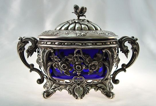1001: FRENCH SILVER COVERED BOX