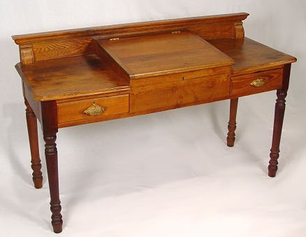 1020: TURN OF THE CENTURY COUNTRY LIFT TOP DESK