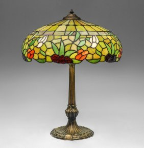 ATTRIBUTED DUFFNER & KIMBERLY LEADED GLASS SHADE
