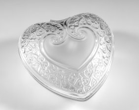 LALIQUE CRYSTAL HEART SHAPED COVERED BOX