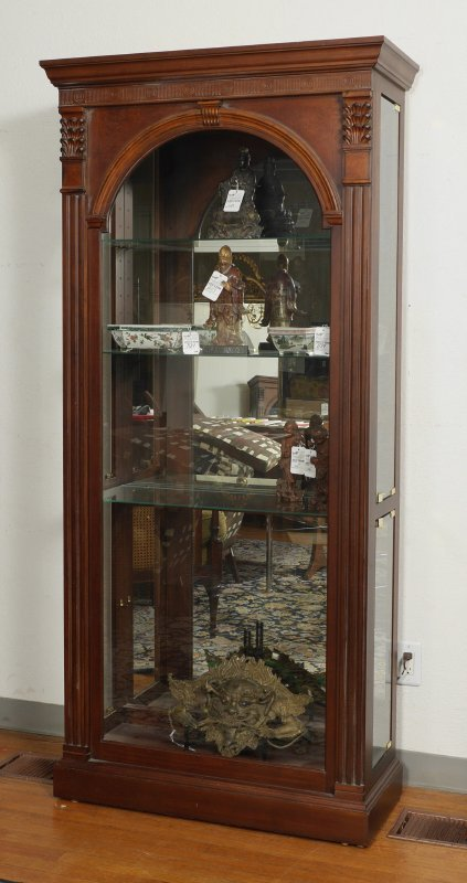 PULASKI DISPLAY CURIO CABINET