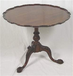 MAHOGANY CHIPPENDALE STYLE PIECRUST TABLE