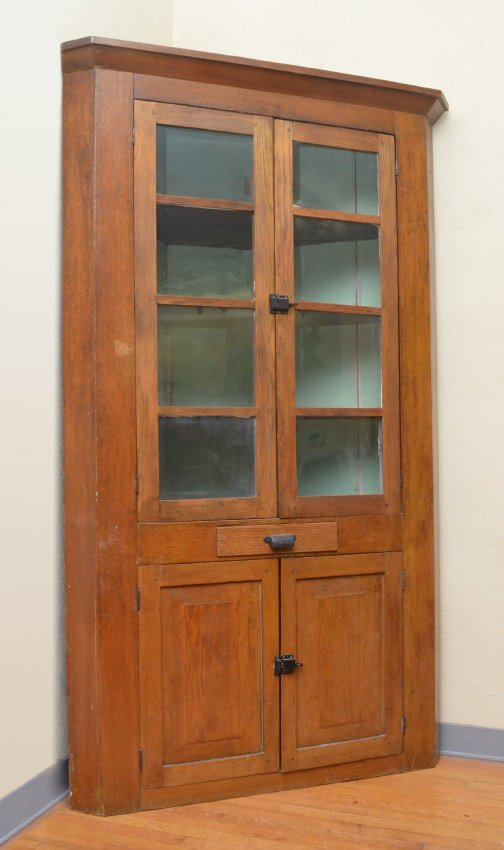 19TH CENTURY COUNTRY CORNER CABINET