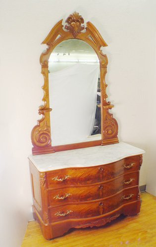 13: FINE VICTORIAN MARBLE TOP DRESSER WITH MIRROR