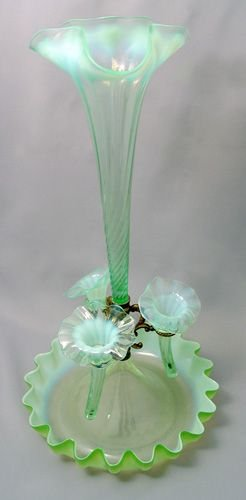 22: GREEN OPALESCENT ART GLASS EPERGNE
