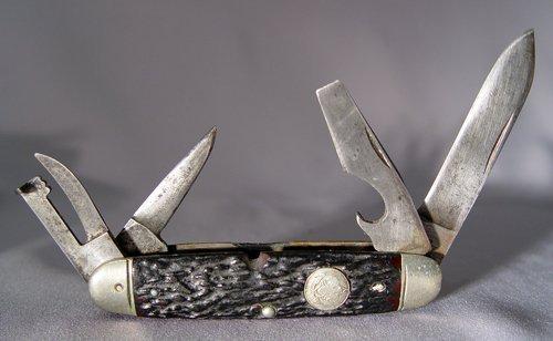 476: REMINGTON OFFICIAL BOY SCOUT KNIFE