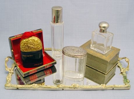 412: JEAN DE PARYS SOUS LE GUI PERFUME BOTTLE IN BOX