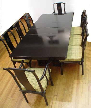 1022: ORIENTAL DESIGN TABLE WITH 8 CHAIRS