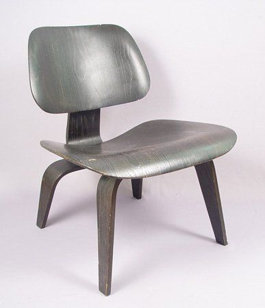 1049: EAMES MID CENTURY MODERNE LCW CHAIR