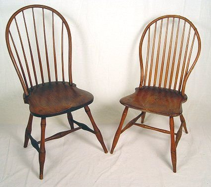 1019: TWO EARLY 19TH C WINDSOR LOOP BACK SIDE CHAIRS