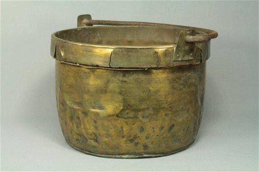 1800's Thick Brass/Iron Cauldron Cooking Pot - Oct 11, 2015