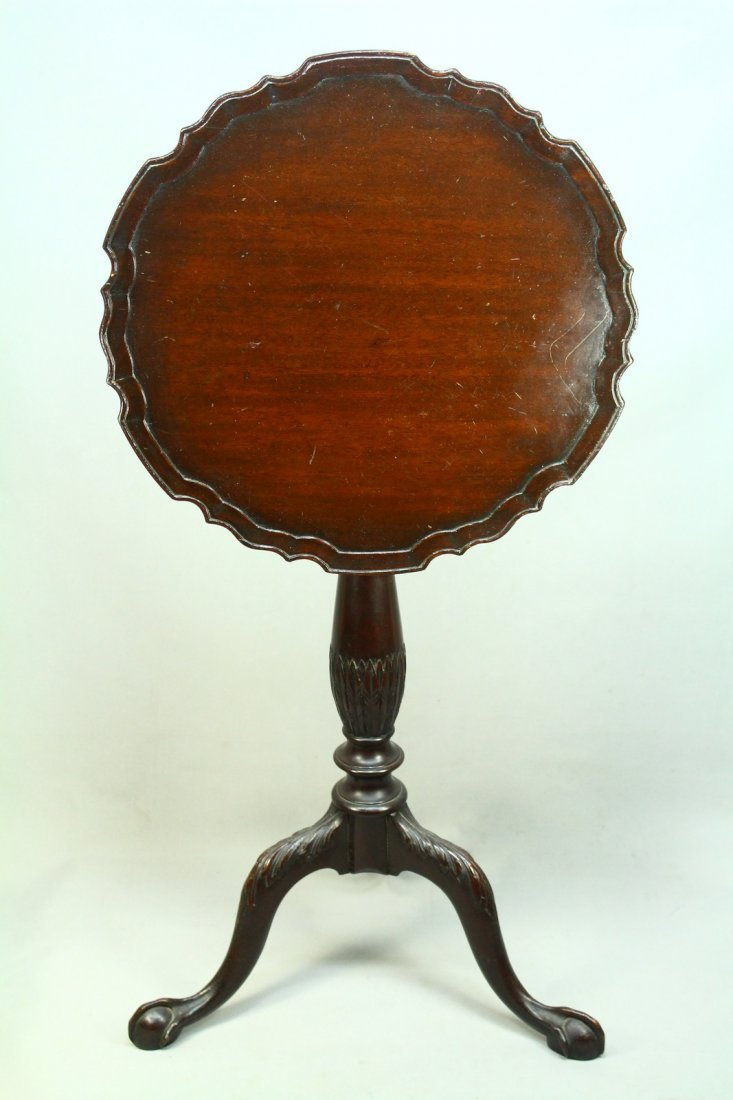 c1740 US Southern States Mahogany Tilt-Top Candle Stand