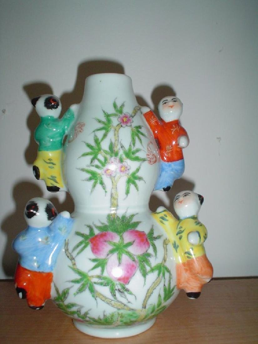 Chinese vase with children, late qing or republic