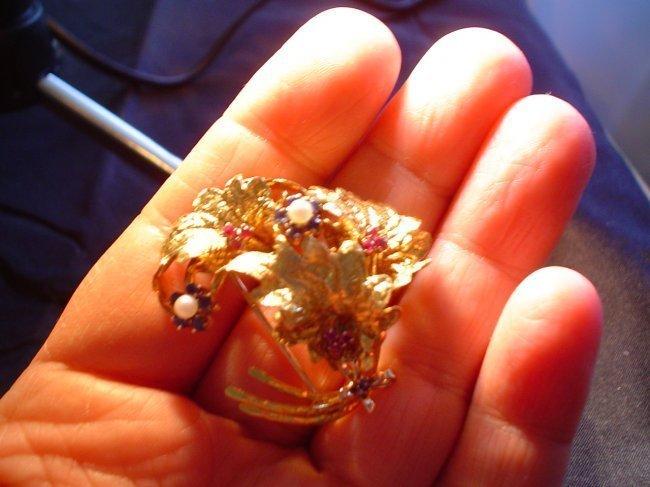 18K Gold brooch bird, marked 18K Italy, 11.4 grams.