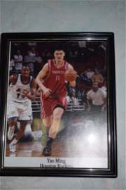 a yaoming signed picture