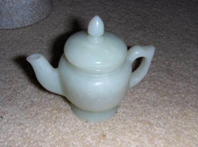 Chinese jade tea pot, possible antique.