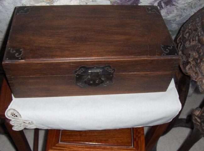 A chinese huahauli box