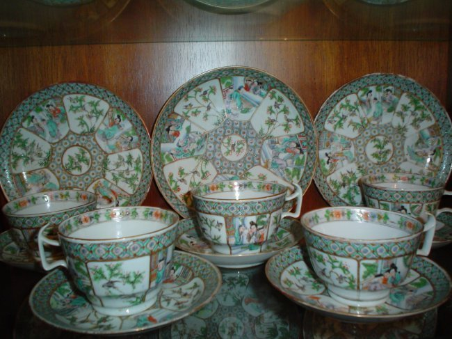 a 31 piece qing dynasty table wares. 10 person set.
