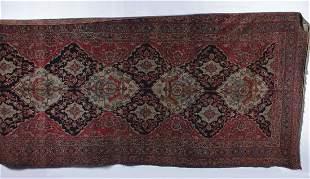 A Lavar Kirman Gallery Carpet, Southeast Persia,