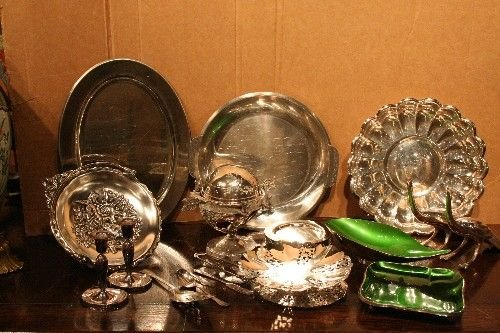 9: A Group of Silver and Silverplate Table Articles, Le