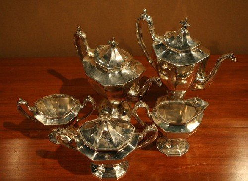 16: A Reed and Barton Silverplate Five Piece Tea and Co