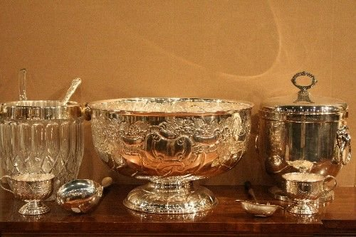 21: A Silverplate Punch Bowl, Diameter of punch bowl 14