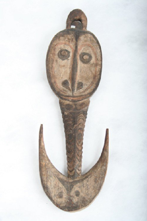 414: A New Guinea Suspension Hook, 21 1/4 inches.