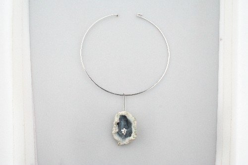 331: An 18 Karat White Gold, Agate Geode and Diamond Ne