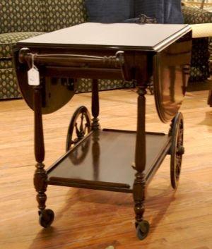 9: A Georgian Style Mahogany Tea Cart, Height 29 x widt
