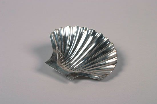 A George III Silver Shell-Form Dish, Maker's Mark