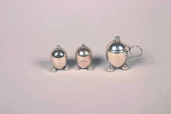 621: A Set of Victorian Silver Table Articles, Hilliard