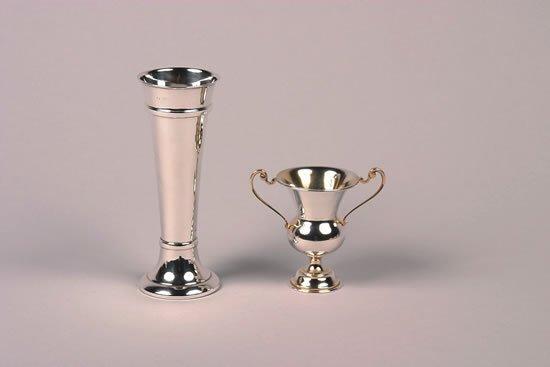 625: An Edward VII Silver Handled Urn, Edward Barnard &