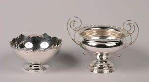 A George V Silver Handled Bowl, Maker's Mark WWH &