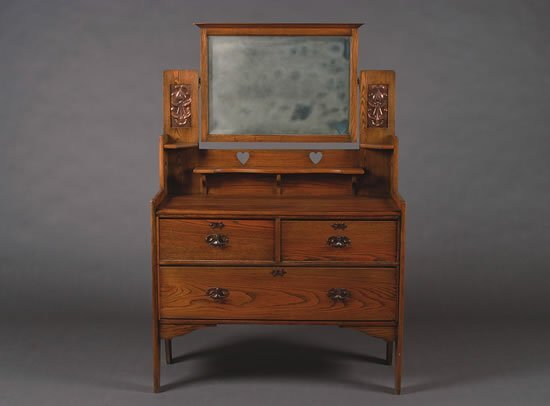 1234: An English Arts & Crafts Oak Dressing Table,