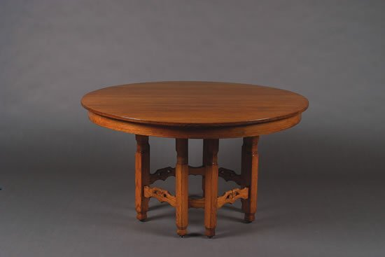 1242: A Stickley Brothers Oak Extension Dining Table,