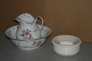 509: An Austrian Porcelain Pitcher and Basin, Diameter