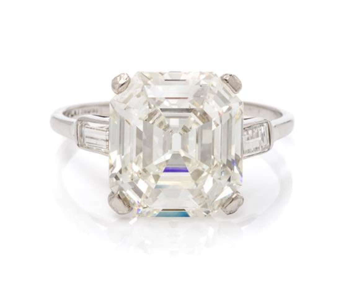 An Art Deco Platinum and Diamond Ring, 2.75 dwts.