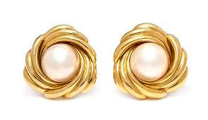 * A Pair of 18 Karat Yellow Gold and Cultured Mabe
