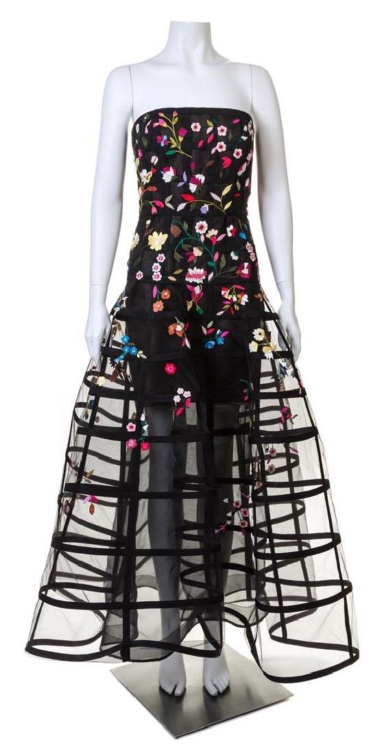 An Oscar de la Renta Black Floral Embroidered Gown,